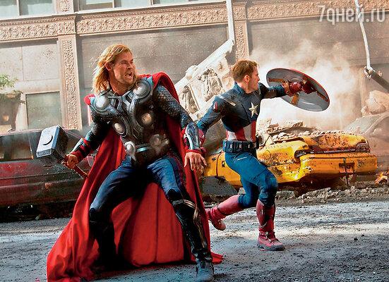 «Мстители» стали кассовой сенсацией 2012 года, собрав в мировом прокате полтора миллиарда долларов.  Крис Хемсворт в кадре из фильма