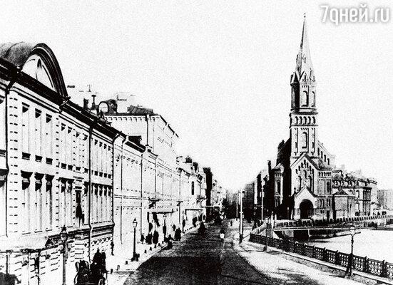 Санкт-Петербург, Большая Морская улица. Здесь и находился гадательный салон знаменитой фрау Кирхгоф