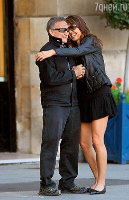 С последней женой — дизайнером Сьюзен Шнайдер. Париж, 2013 г.