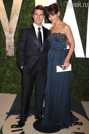Том Круз и Кэти Холмс в платье от Elie Saab на вечеринке Vanity Fair Oscar party в 2012 году