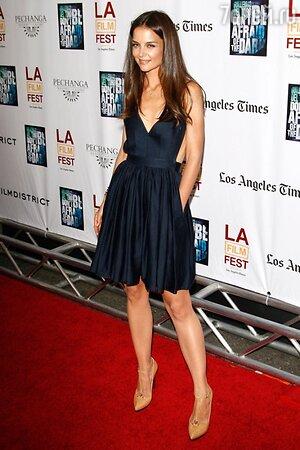 Кэти Холмс в платье из линейки Contrarian Barbara Bib Dress на премьере картины «Не бойся темноты» в 2011 году