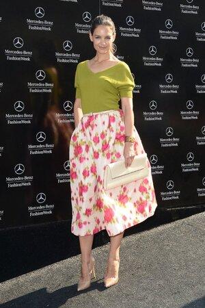 Кэти Холмс на показе Michael Kors на неделе моды в Нью-Йорке в 2013 году