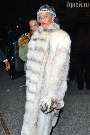 Рианна (Rihanna) на новогодней вечеринке в нью-йоркском клубе 40/40 club