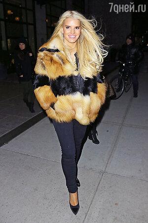 Джессика Симпсон (Jessica Simpson) в Нью-Йорке, январь 2014
