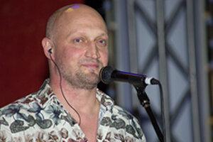 Шестой день «Кинотавра»: Куценко представил фильм и устроил концерт