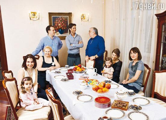 «Моя большая и дружная семья всегда поддерживала меня в самые трудные моменты жизни»