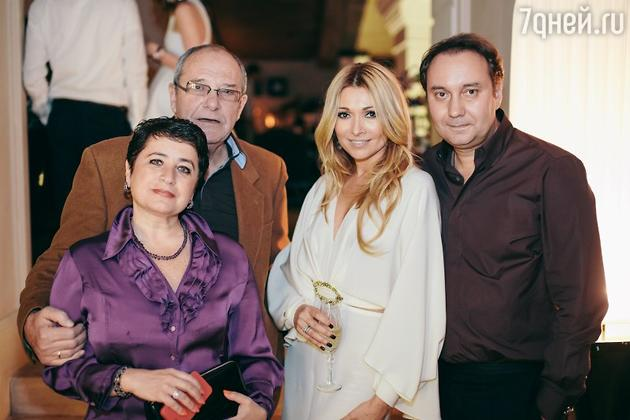 Анжелика Агурбаш с возлюбленным Анатолием Побияхо, Эммануилом Виторганом и его супругой Ниной