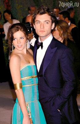 Роман Сиенны и Джуда Лоу в самом разгаре. Церемония вручения «Оскара». Февраль 2004 г.