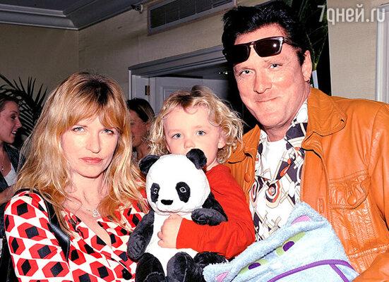 С женой Де Анной и сыном Лукой Рэем