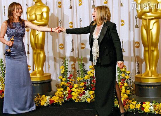 Главной интригой «Оскара» 2010 года была следующая: кто одержит верх — экс-муж или экс-жена?(К. Бигелоу и Б. Стрейзанд, Лос-Анджелес)