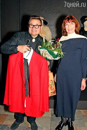 Вдова Георгия Гараняна Нелли Закирова подарила концертный костюм своего мужа Александру Васильеву