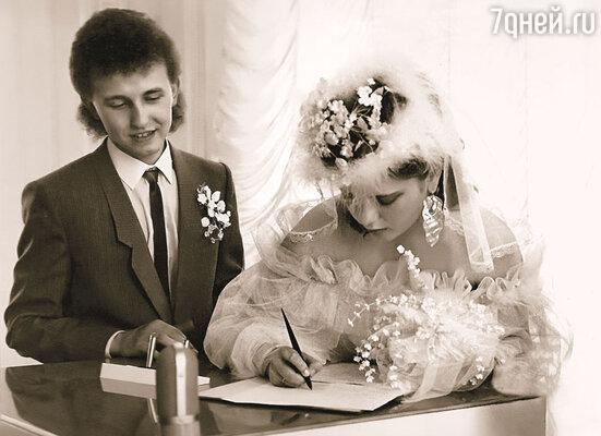 Костя с Ирой влюбились и через какое-то время поженились. Получается, я, сама того не осознавая, их свела...