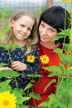 Евгения Добровольская с дочерью Настей