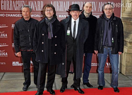 Андрей Макаревич с группой «Машина времени»