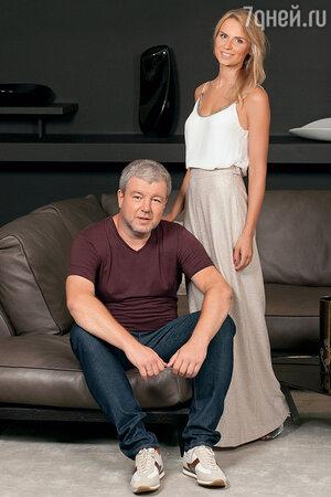 Александр Робак с женой Ольгой