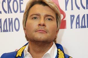 Обнаженный Николай Басков шокировал худобой