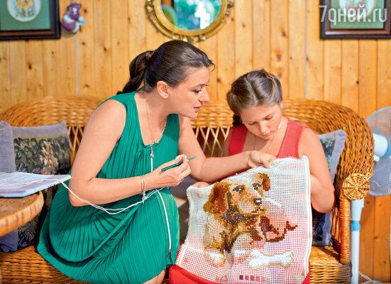Анастасия Мельникова с дочкой Машей