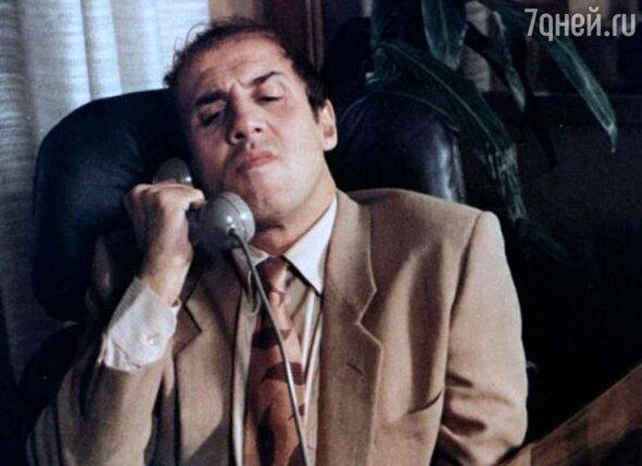 В 2005 году, в одной из своих программ, которая шла в прямом эфире, Адриано Челентано назвал Сильвио Берлускони коррупционером