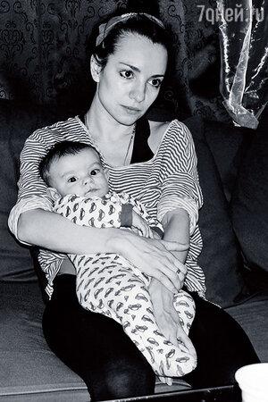 Светлана Светикова с сыном Миланом