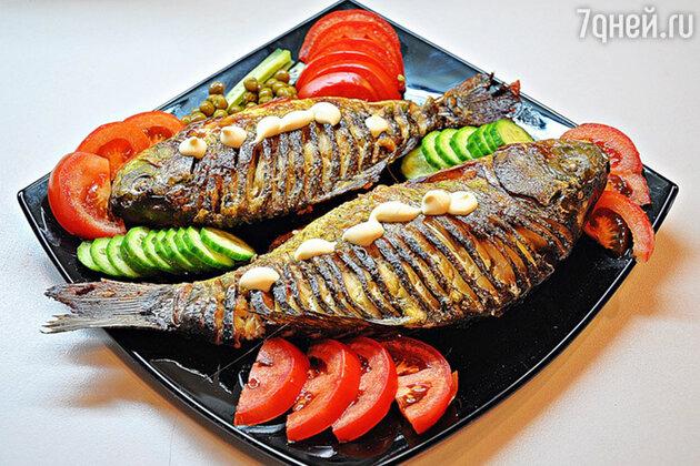 Выбирая рыбу, обратите внимание на следующие моменты: чешуя должна быть блестящей с переливами, а мясо — упругим