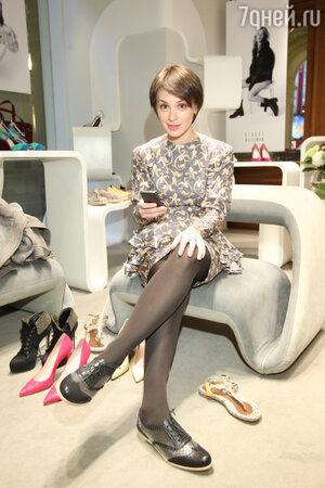Ирина Муромцева на  презентации весенне-летней коллекции обуви