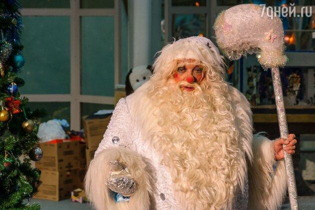 В этот раз ребят поздравил не Дед Мороз , а сказочный Дед Никола
