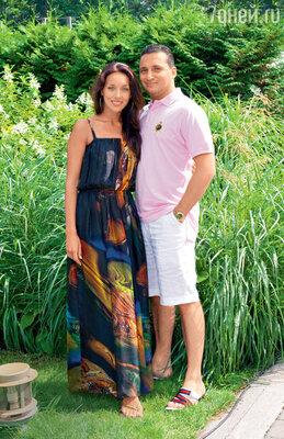 Алсу была вынуждена уехать рожать за границу, потому что в России будущую маму и ее мужа, бизнесмена Яна Абрамова, атаковала желтая пресса