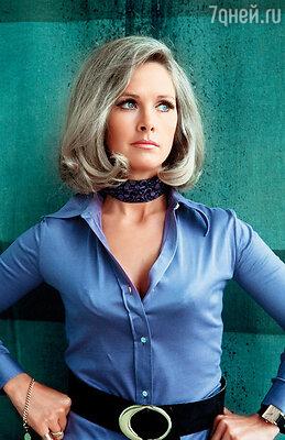 Мать Бенедикта, Ванда Вентхам, в начале 70-х занимала одну из первых строчек в рейтинге британских телезвезд. Ее доктор Вирджиния Лейк, очаровательная блондинка из сериала «НЛО», была необычайно популярна