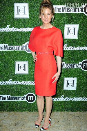 ���� ��������� � ������ �� Carolina Herrera � ������ �� Christian Louboutin �� �������� Couture Counci