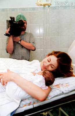 Дочь я рожала в присутствии оператора: снятые им сцены вошли в сериал «Тайны следствия»