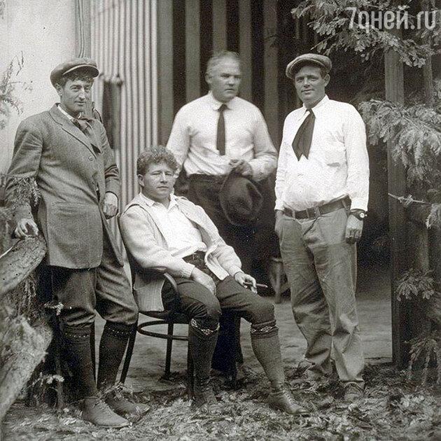 Джек Лондон с Джорджем Cтерлингом, Джеймсем Хоппером и Гарри Леон Уилсоном, Богемская роща, 1913