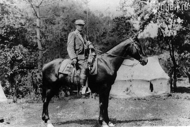 Мистер Лондон объезжает свои владения. 1912 г.