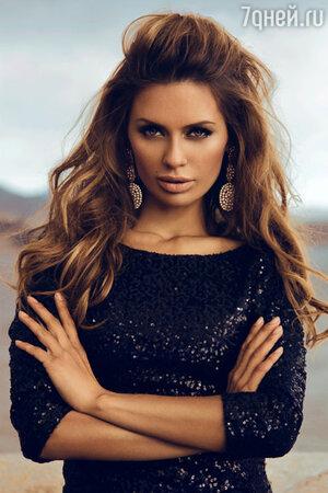 «Волосы  являются потрясающим украшением для каждой женщины. Конечно, только в том случае, если они блестящие, здоровые и густые, а значит — ухоженные»
