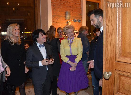 Валентин Юдашкин с женой Мариной, Елена Малышева и Иван Ургант