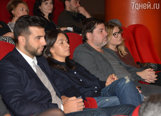 Иван Ургант с женой Натальей и Александр Цекало с женой Викторией