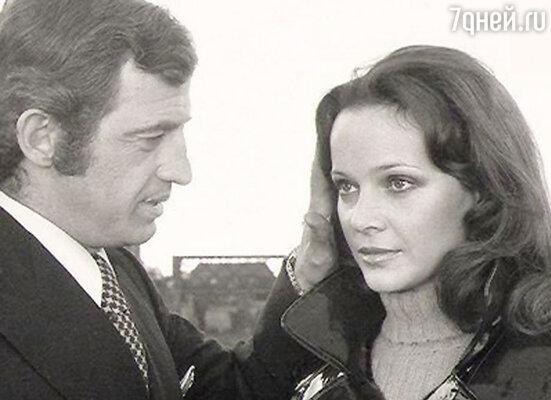Роман с популярной итальянской актрисой Лаурой Антонелли начался на съемках  приключенческого боевика Жана-Поля Раппено «Повторный брак, или Супруги II года» (1971)