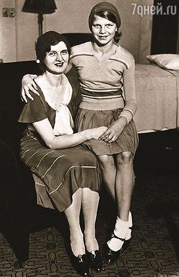 Любовница Уоррена Гардинга —  Нэн Бриттон так никогда и не смогла доказать, что ее дочь Элизабет рождена от президента. Нэн  с дочкой, 1931 г.
