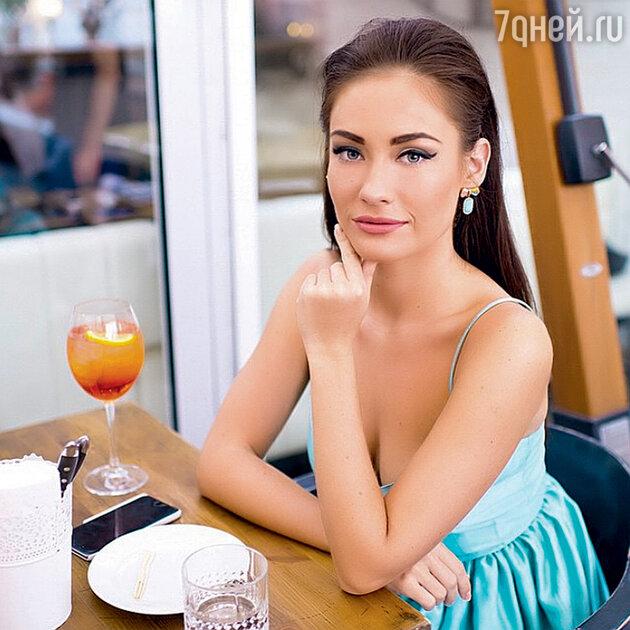Александра Попова