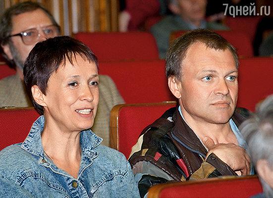 Мои усилия ценились Саней до тех пор, пока в клинике Довженко он не встретил Печерникову. Ирина там тоже тогда лечилась от алкоголизма