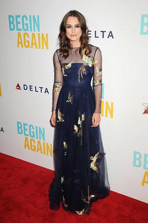 Кира Найтли в платье от Valentino на премьере фильма «Хоть раз в жизни»