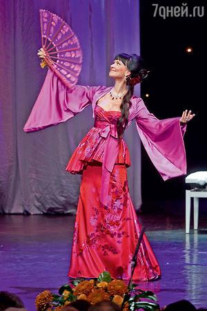 Нонна Гришаева на церемонни вручения премии «Хрустальная Турандот». 2012 г.