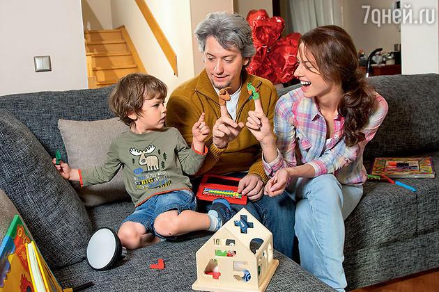 Лянка Грыу с мужем Михаилом Вайнбергом и сыном