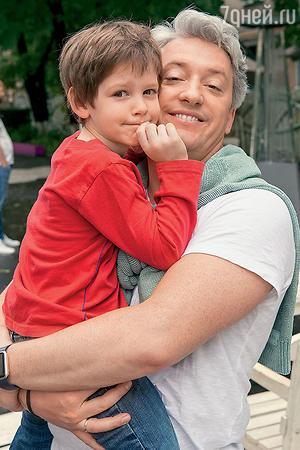Михаил Вайнберг с сыном
