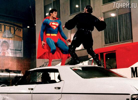 Кристофер Рив за время подготовки к роли Супермена накачал 19килограммов стальных мышц