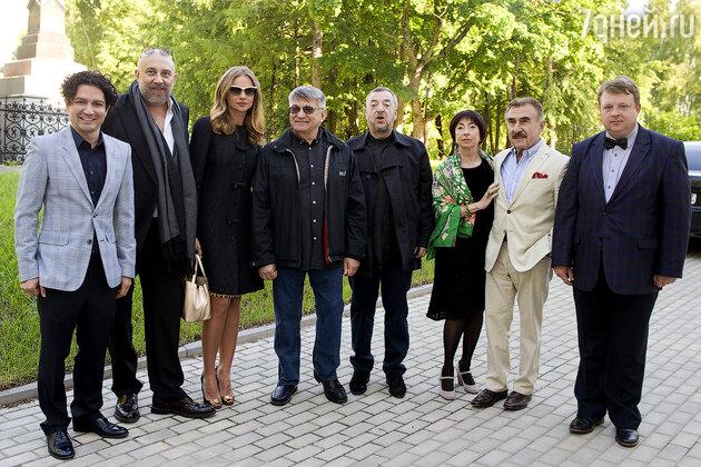 слева направо: Алексей Боков, Павел Каплевич, Мария Миронова, Александр Сокуров, Леонид Коневский