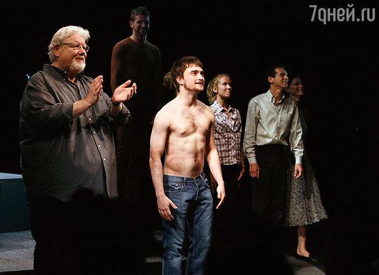 Большую часть времени Рэдклифф проводит в США. После спектакля «Эквус» в театре Бродхерст. Нью-Йорк, 2008 г.