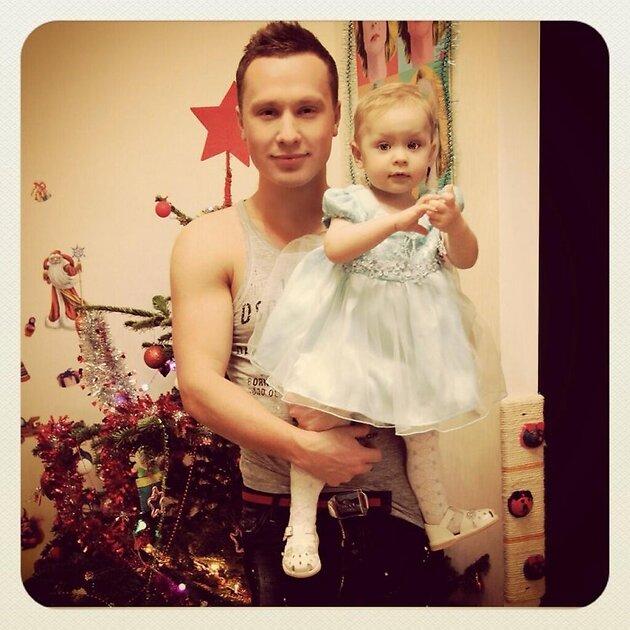 Максим Скрябин с дочкой Варварой