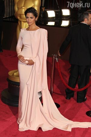 Камилла Алвес на церемонии «Оскар-2014»