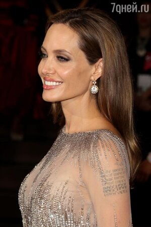 Анджелина Джоли на церемонии «Оскар-2014»