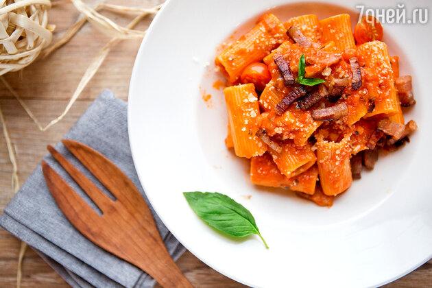 Паста под соусом Аматричана: рецепт от шеф-повара Джузеппе Д'Анджело